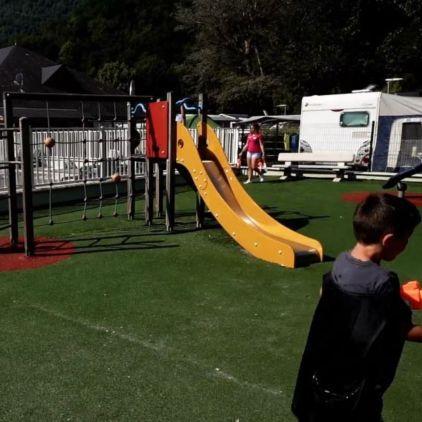 Chateau gonflable - Tourniquet - Ping - Pong - Mur escalade